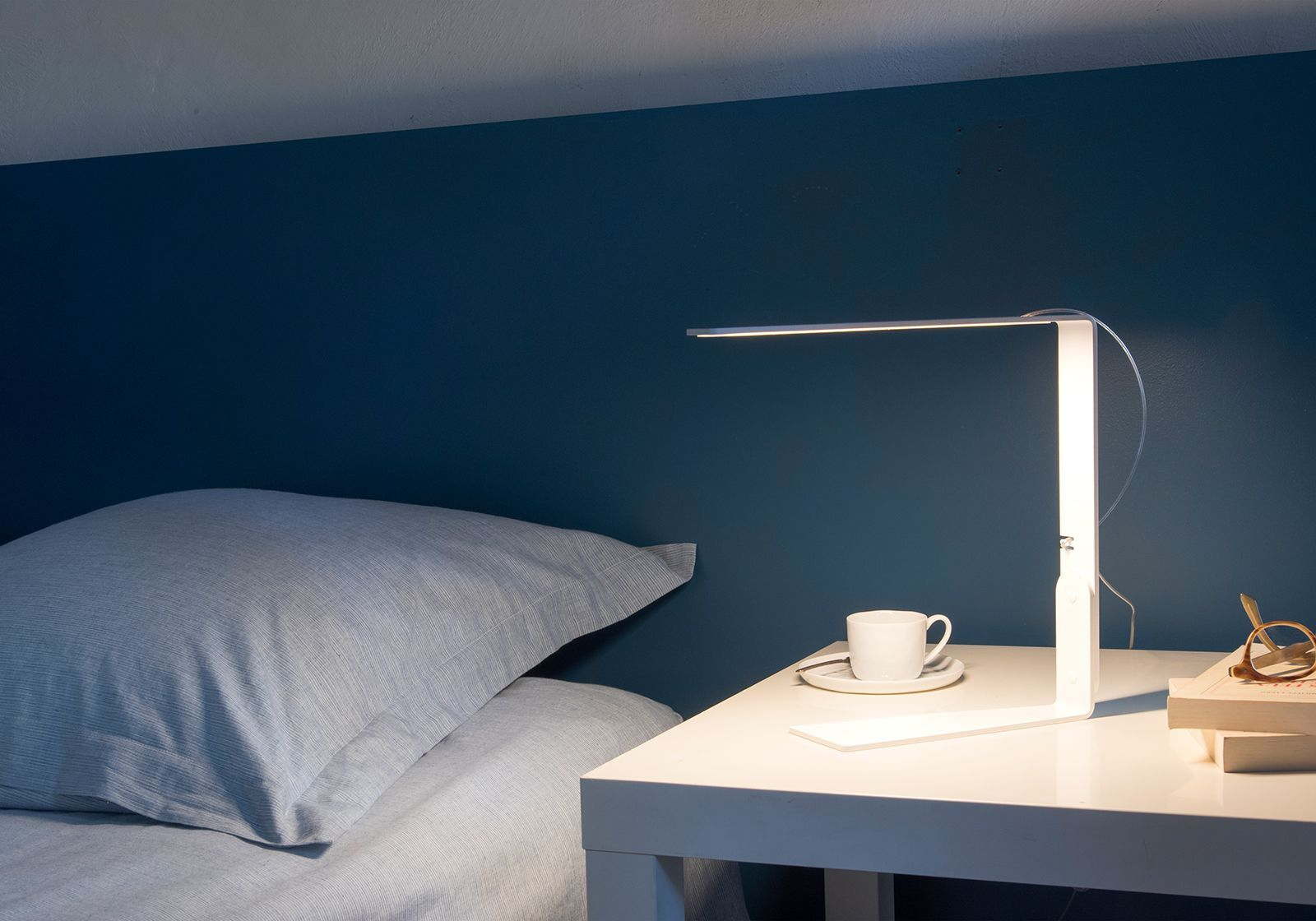 Bedside Lamp TEElight By TEEbooks