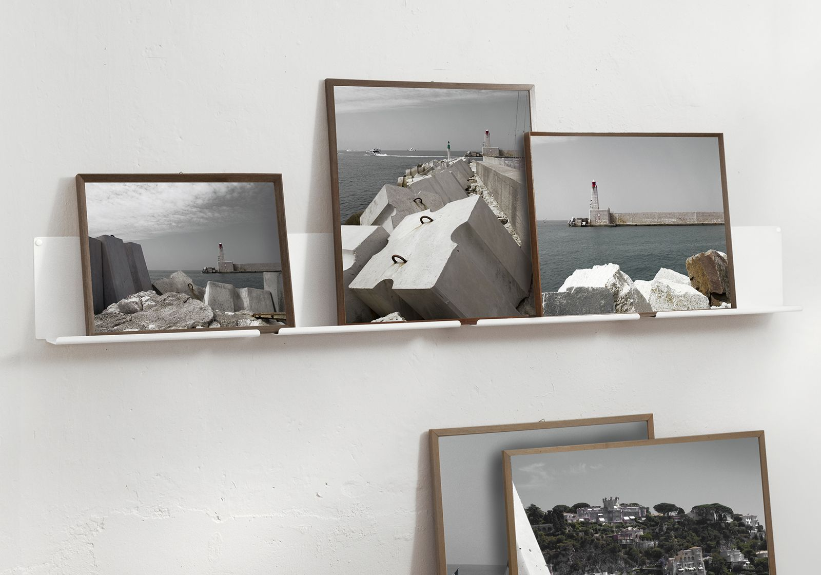 shelves for picture frames le set of 2