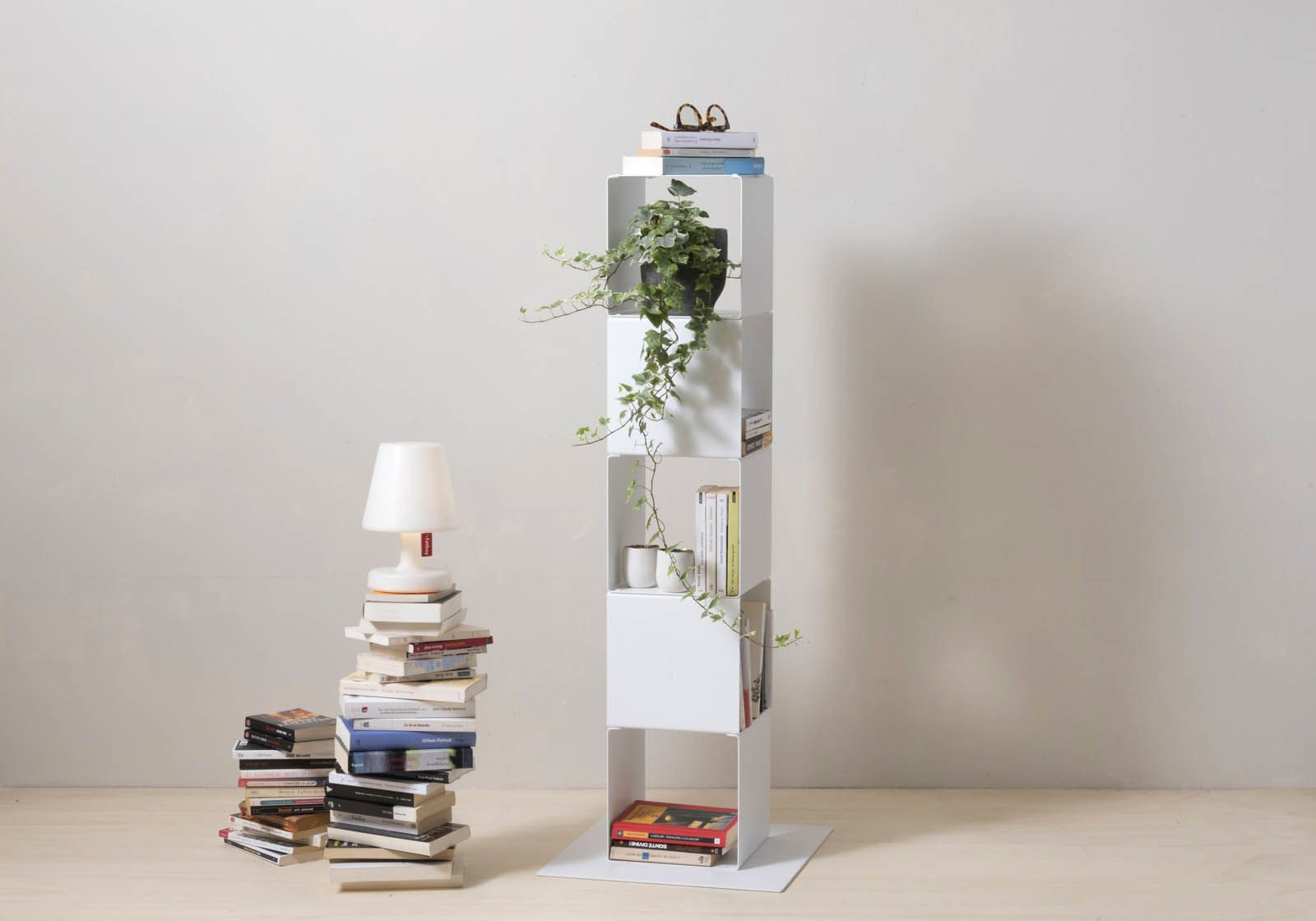 Cube shelf - Steel column storage - 5 shelves